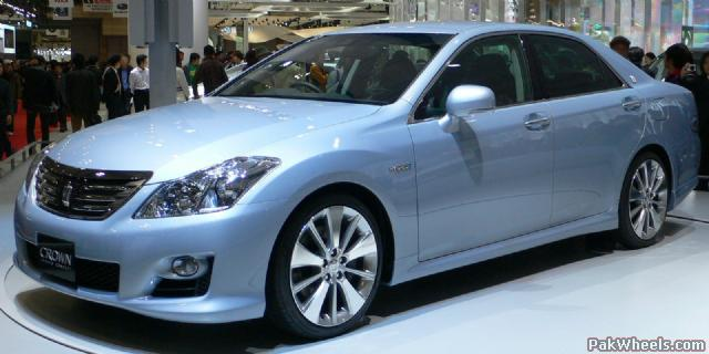 2007 Toyota Crown Hybrid Concept. for the TOYOTA CROWN over