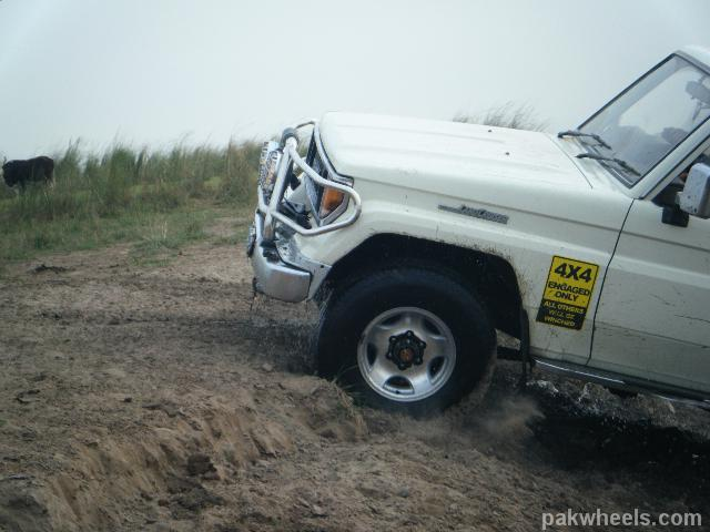 4x4Engaged?-Unaware, The Best Photo Contest . - dscf2109 8IB PakWheels28com29