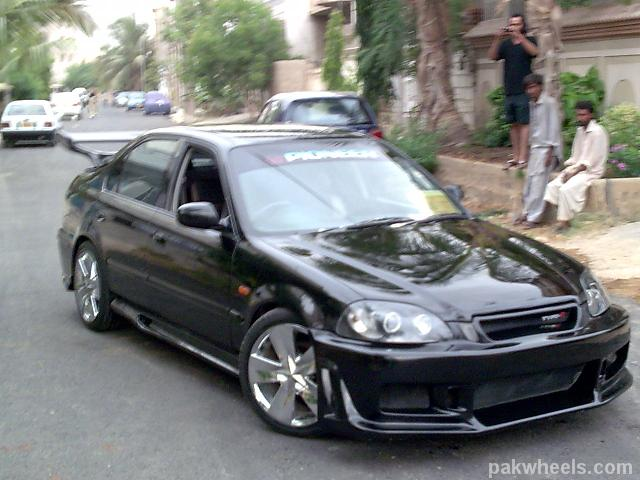 My Modified Honda Civic 2000 in Black..coments plz.