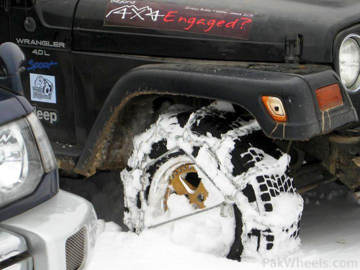 4x4Engaged?-Unaware, The Best Photo Contest . - 196181 Beyond 4x4Engaged  1st Jeep Snow Rally Malam Jabba 2011 IMG 2401