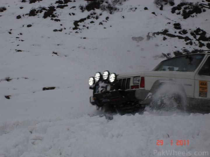 4x4Engaged?-Unaware, The Best Photo Contest . - 198467 Beyond 4x4Engaged  1st Jeep Snow Rally Malam Jabba 2011 DSC06402